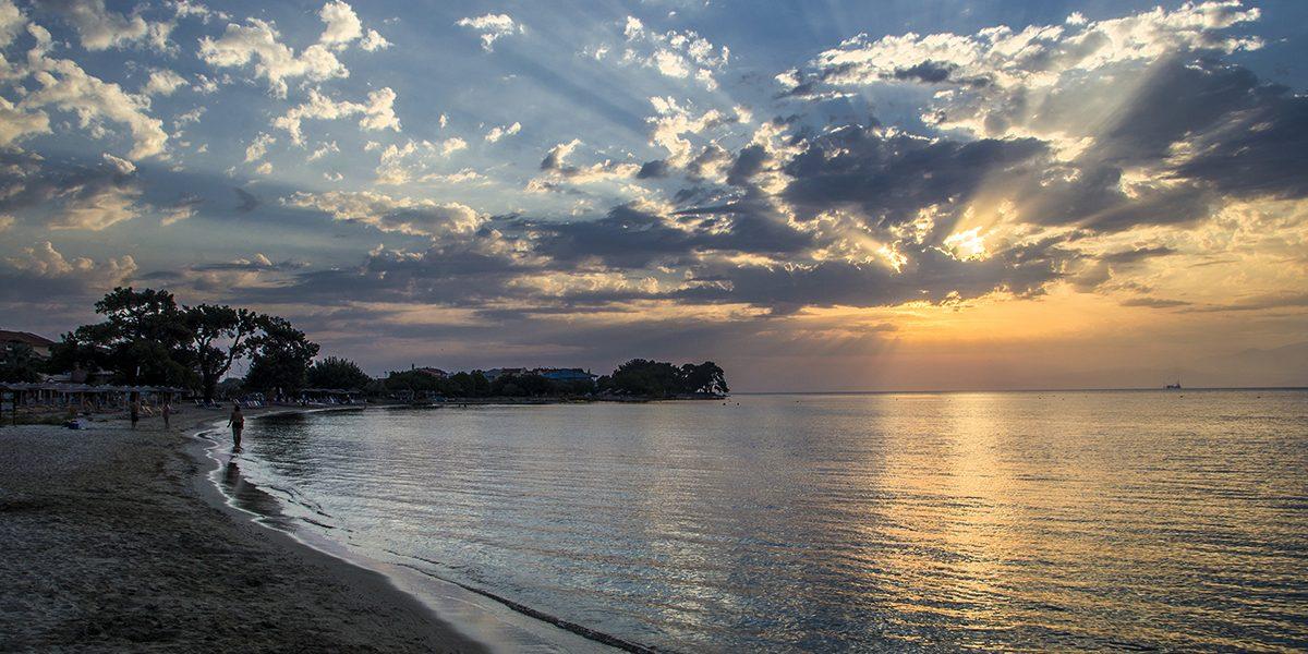Тасос – тюркоазени плажове, вековни маслини и отлична храна