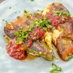 Печени чушки с доматен сос – вдъхновени от тетрадката на баба