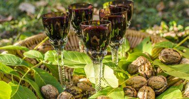 Walnuts liqueur