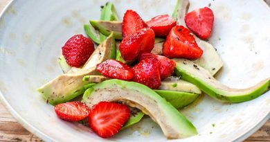 Avocado and Strawberry Salad