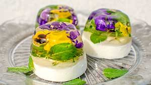 Желирана торта с цветя