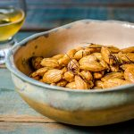 Roasted almonds with saffron, ideal for glass of whiskey