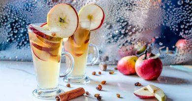 Греяно бяло вино с ябълки и канела