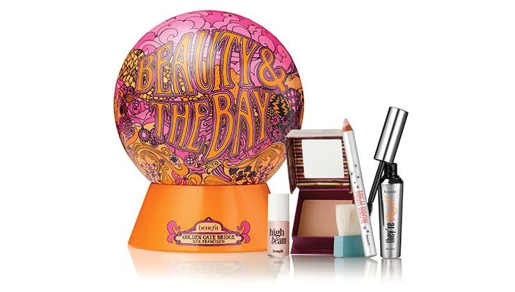 Празнични козметични подаръци Beauty&the Bay на Benefit