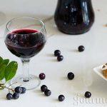 Ликьор от арония и червено вино