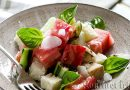 Panzanella – Tuscan salad with bread and tomatoes