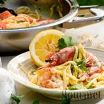 Linguine with shrimps and zucchini