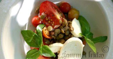 Капрезе с леща и чери доматчета
