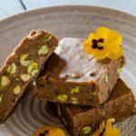 Vegan fudge with tahini, pistachio and cocoa