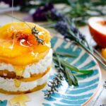 Raw dessert with peaches and cottage cheese