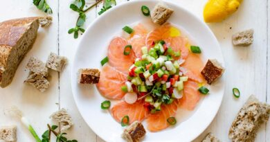 Salmon carpaccio with vinaigrette