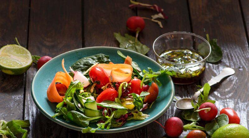 Цветна витаминозна салата